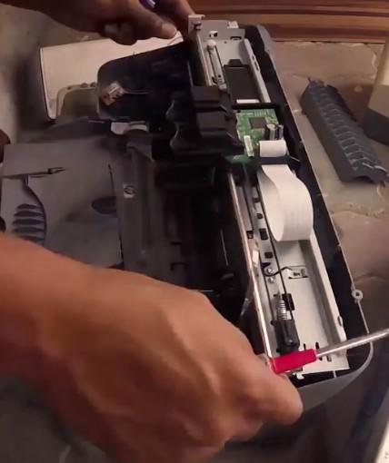 Homebuilt Laser Engraver Using Salvaged Parts   Hackaday
