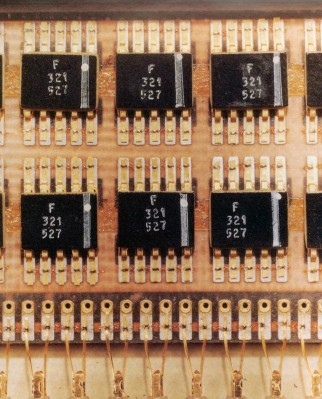 Flatpack ICs used in the Apollo guidance computer