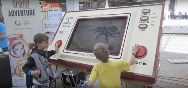 Mega Game & Watch Octopus
