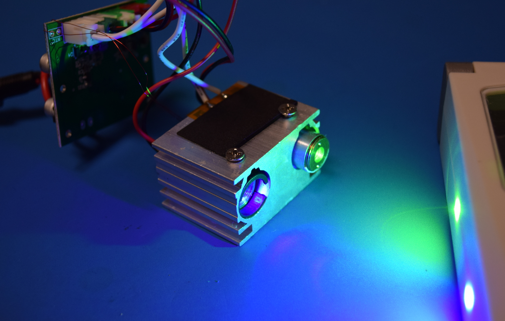 Teardown: What's Inside A Christmas Laser Projector? | Hackaday