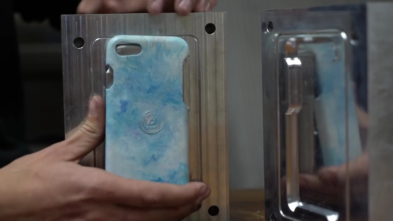Injection Molding IPhone Cases From Trash | Hackaday