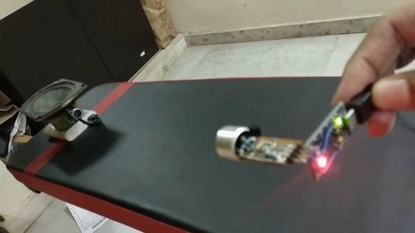 AM ultrasonic transmitter and receiver