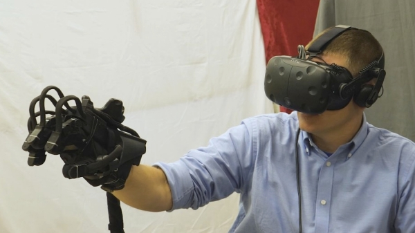 HaptX haptic VR glove