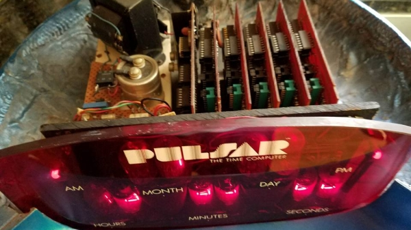 Pulsar nixie clock ala 2001: A Space Odyssey clock