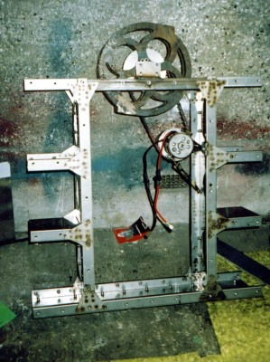 SMIDSY's chassis, showing the Iskra motor and later disc weapon.