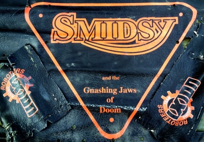 A SMIDSY skin from 2002. Those Gnashing Jaws Of Doom probably had more of the Toothless Gums Of Disappointment about them, but we thought it sounded good at the time.