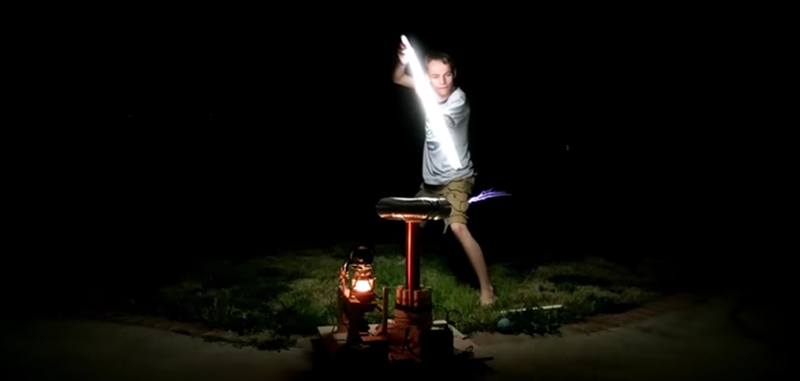 Tesla Coil Uses Vacuum Tube | Hackaday