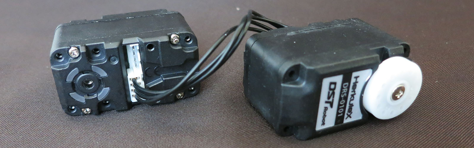 Wrangling RC Servos Becoming A Hassle? Try Serial Bus Servos