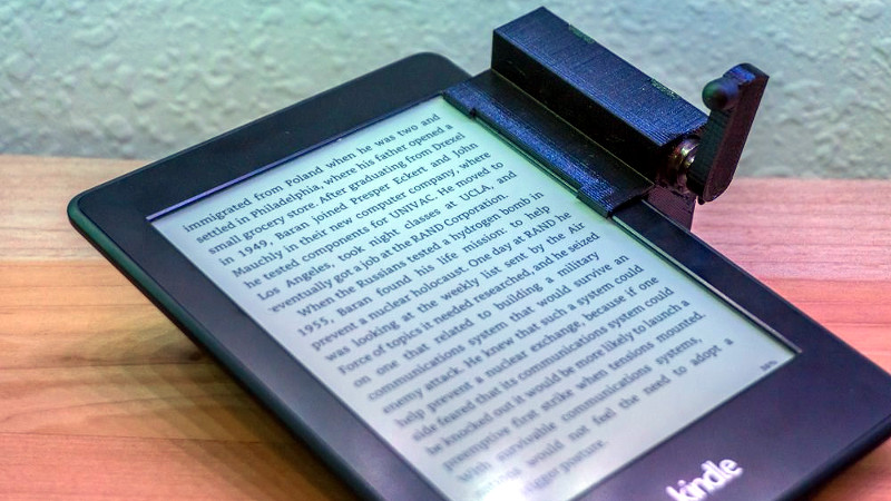 A Remotely Controlled Kindle Page Turner | Hackaday