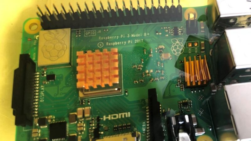Oil-Immersed Raspberry Pi Keeps Its Cool Under Heavy Loads