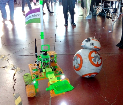 BB-8 and Bowie at the 2016 Ottawa Makerfaire