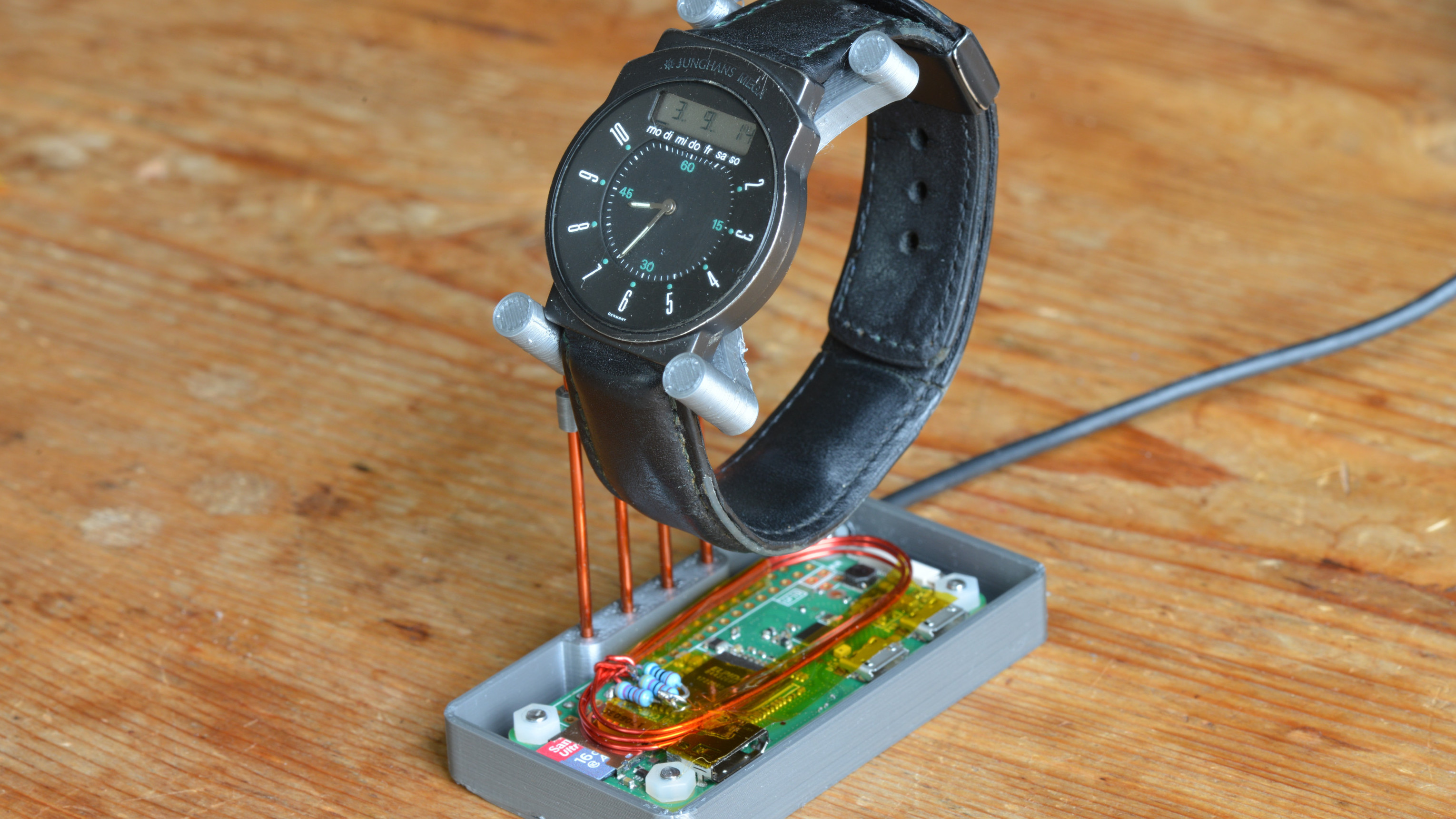 No Signal For Your Radio-Controlled Watch? Just Make Your Own