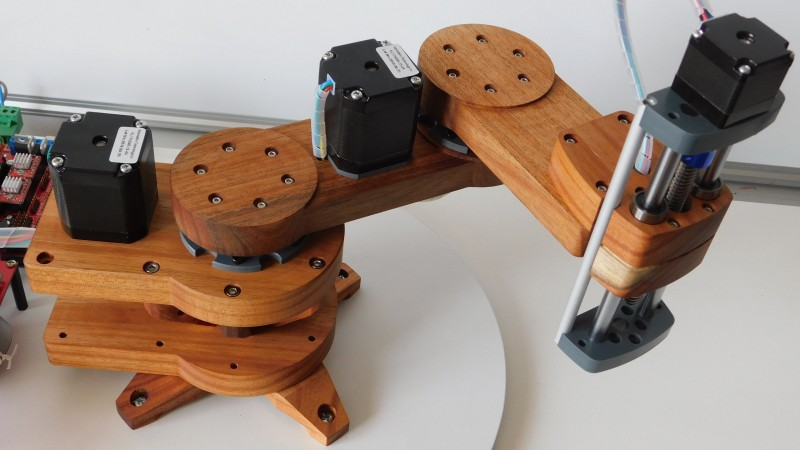Wood Shines In This SCARA Robotic Arm Project | Hackaday