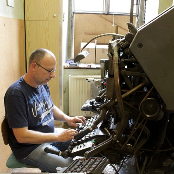 Save A Linotype Machine For Future Generations | Hackaday