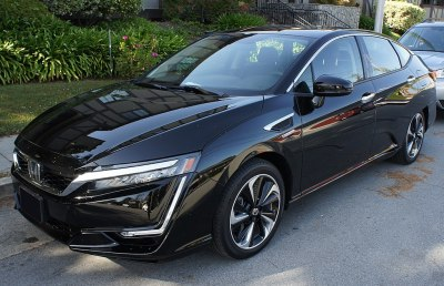 The hydrogen-powered Honda Clarity FCV, a car most of us will probably never see. Lcaa9 [CC BY-SA 4.0].