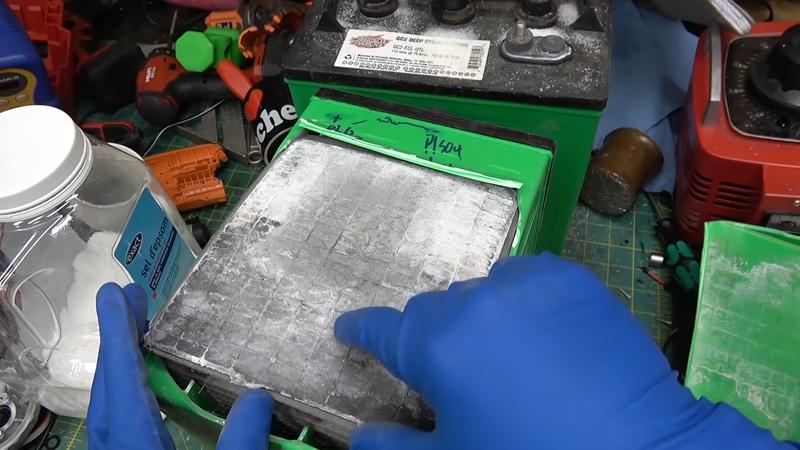 Epsom Salts Restores Lead Acid Battery | Hackaday
