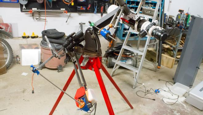 Diy Guided Telescope Mount Tracks Like A Barn Door Hackaday