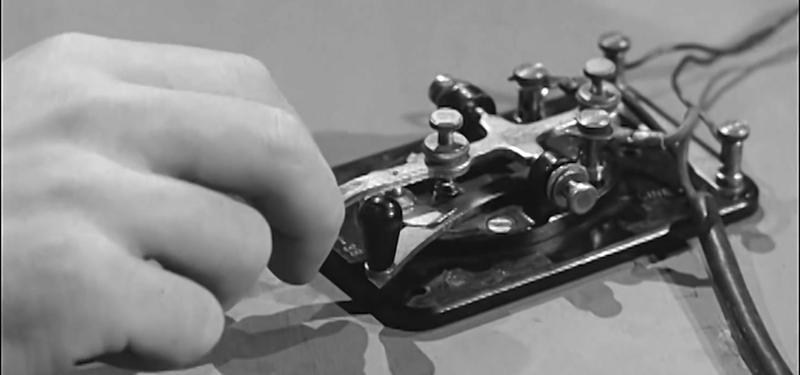 Morse Code Keyboard 1939 Style! | Hackaday