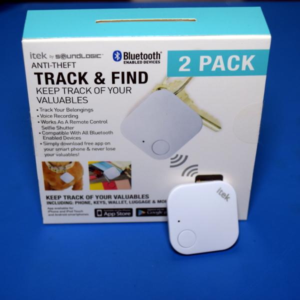 A Cloned Bluetooth Tracker Meets Its Maker | Hackaday