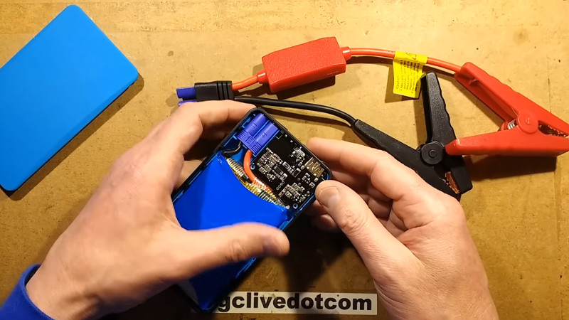 Lithium Jump Starter Disembly Is Revealing | Hackaday on