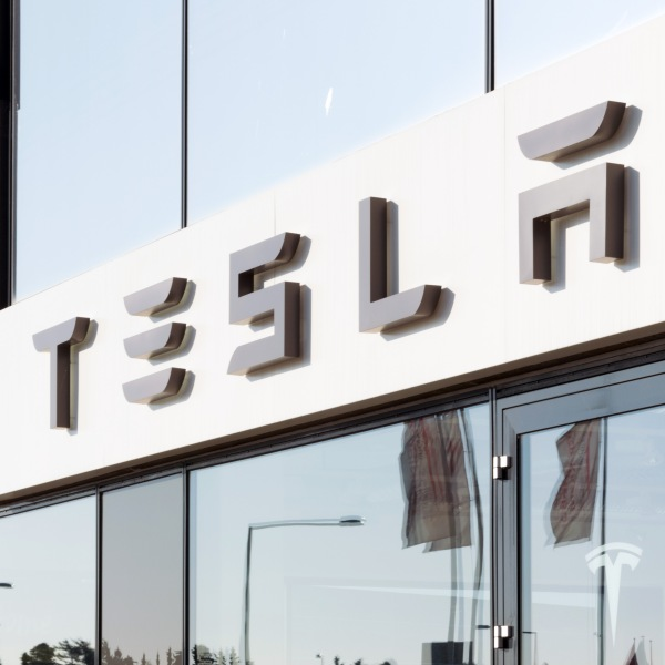 Tesla Eyes Ultracapacitor Future With Maxwell Acquisition