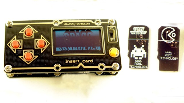Handheld Game Console Puts Processing Power In The Cartridge