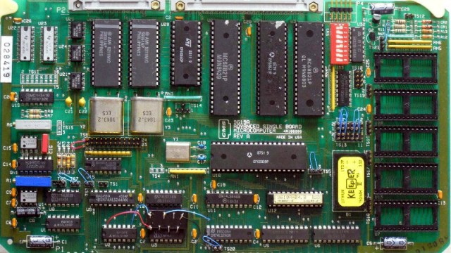 Reverse Engineering An Ancient SBC With An Apple ][