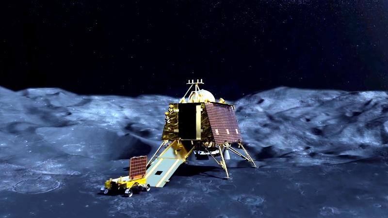 Image result for चांद छूने को तैयार विक्रम लैंडर