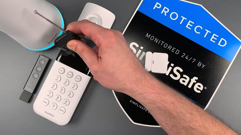 Alarm System Defeated By $2 Wireless Dongle, Nobody
