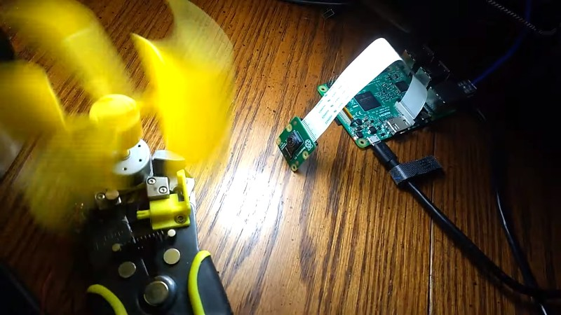 660 FPS Raspberry Pi Video Captures The Moment In Extreme Slo-Mo
