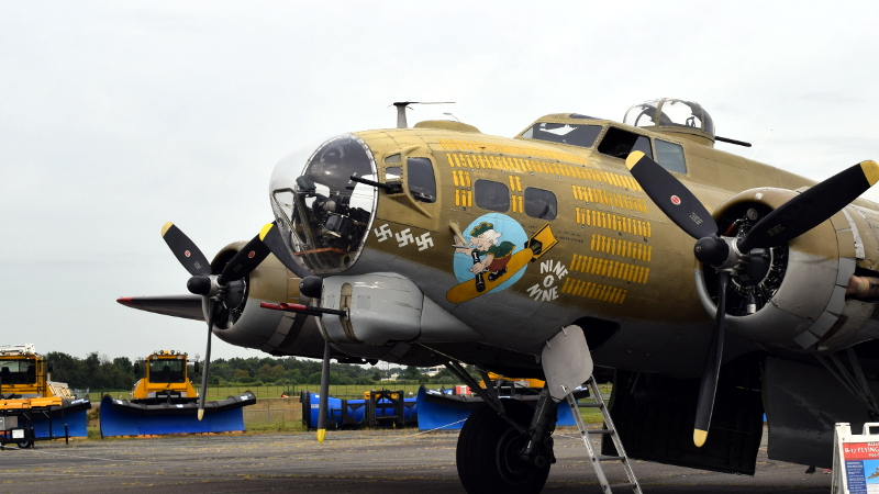 A Virtual Tour of the B-17