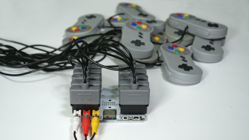 10-Way Game Console Lets Everyone Play