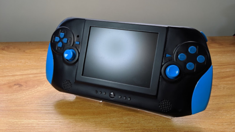 Could the PS2 Mini use a controller with a built-in screen?