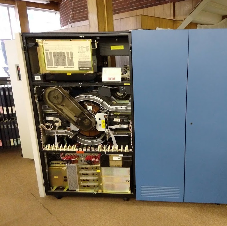Big Beautiful Vintage Computers, And Where To Find Them