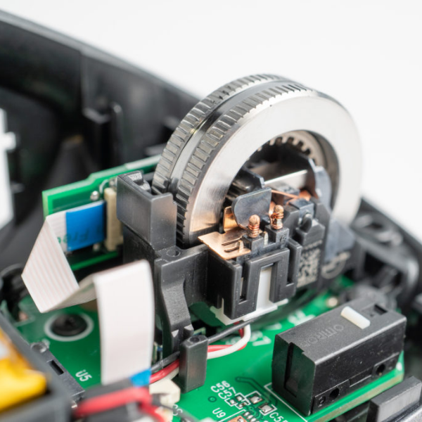 What The Scale? Mouse Teardown Throws Up A Few Surprises | Hackaday
