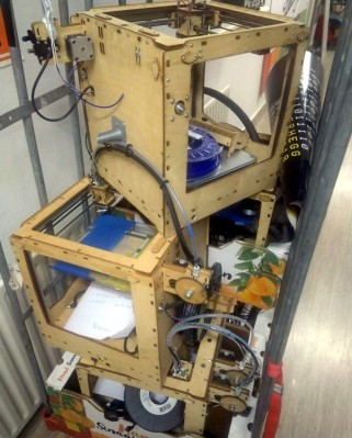 My hackerspace isn't the only one with a few spare 3D printers! Photo: Mendel Mobach