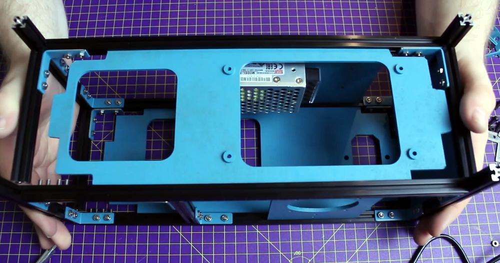 Building A Faux Retro Portable Computer