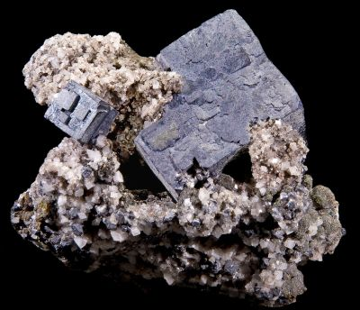 A sample of galena ore mined in Missouri, USA. Didier Descouens (CC BY-SA 4.0)