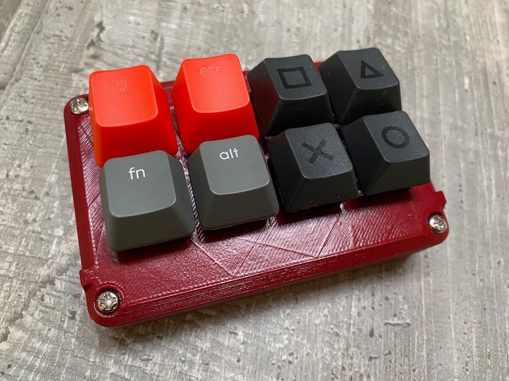 CircuitPython Macro Pad Is One Build That Won't Bite