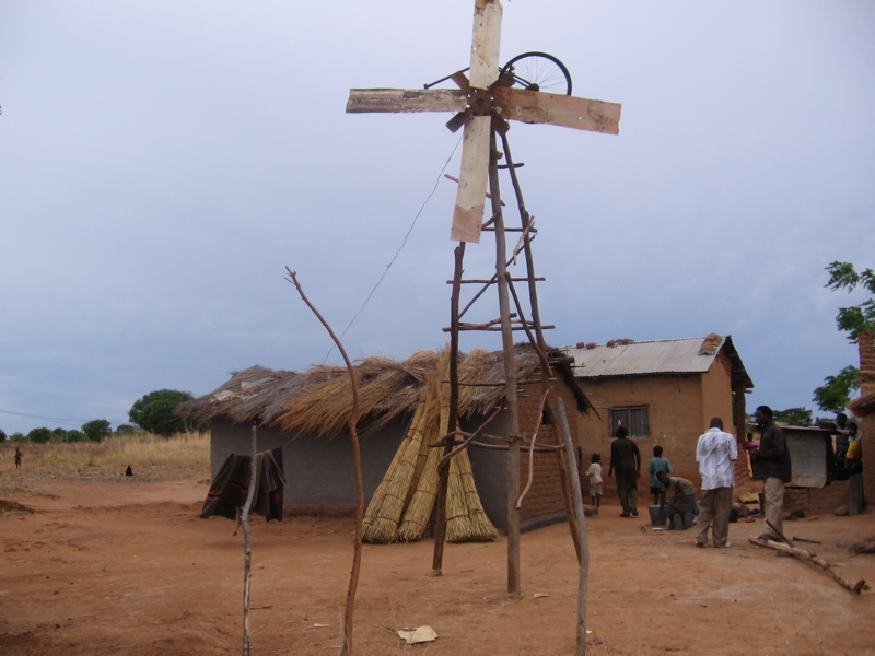 William Kamkwambas' first big windmill behind his house.