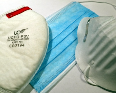 A variety of commercial masks, left to right: FFP3 industrial dust mask, T32610-2016 surgcal-style mask, very cheap unrated single layer dust mask.ic
