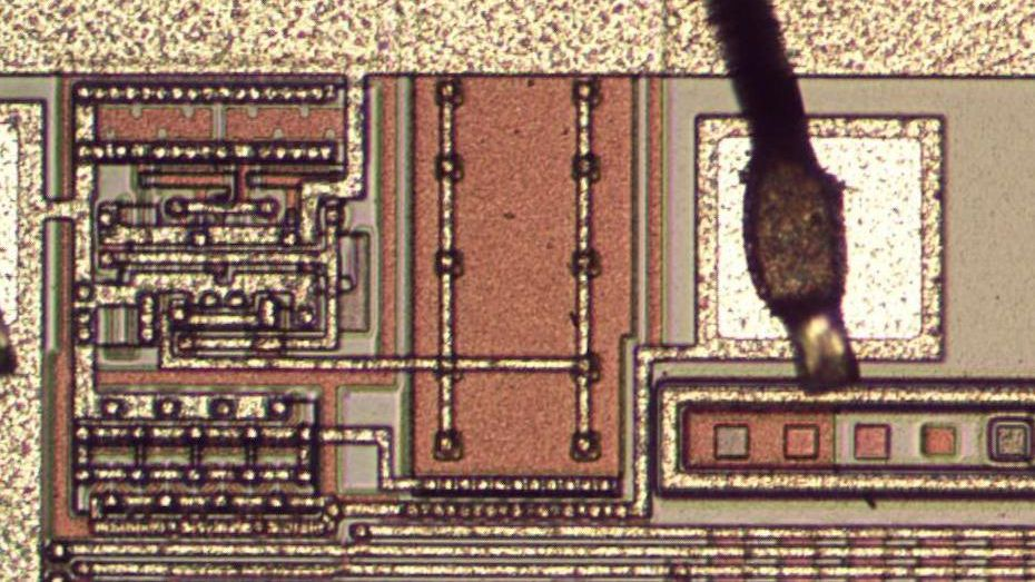 Reverse Engineering The Charge Pump Of An 8086 Microprocessor