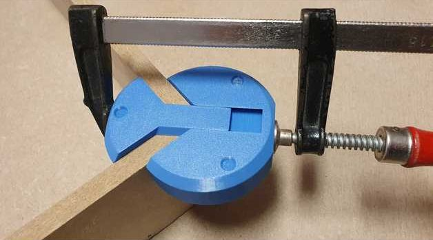 Credit For Clever Corner Clamp