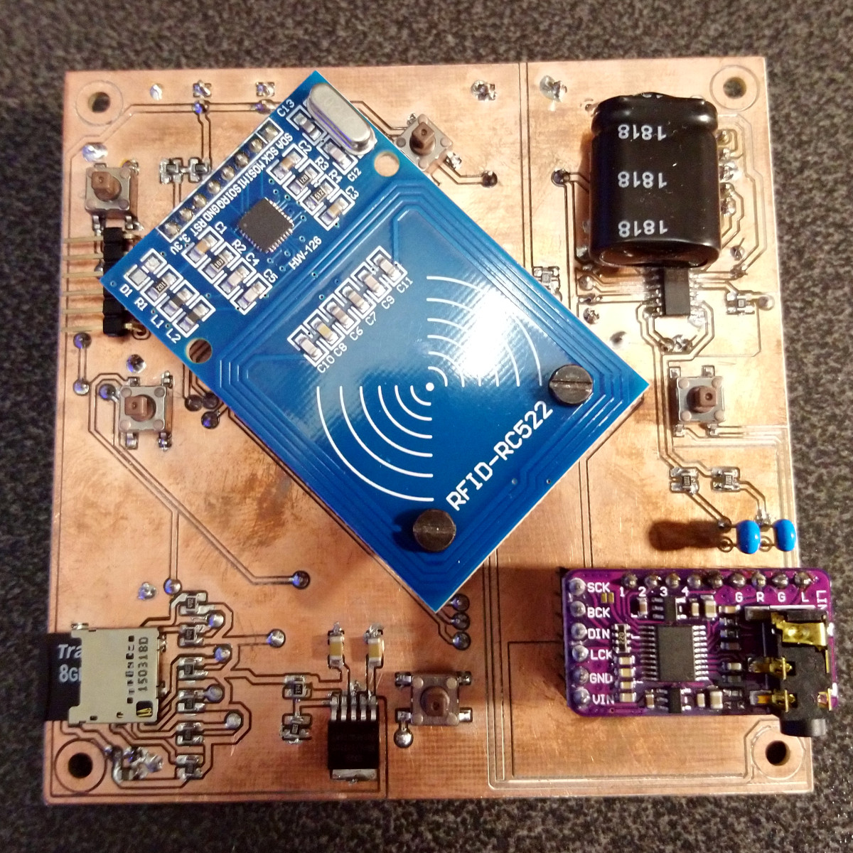 Youngster's ESP32 Jukebox uses RFID to Queue Tunes