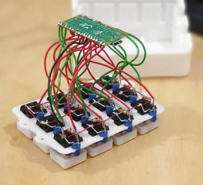 Lighted Raspberry Pico Stream Deck is Easy as Pi