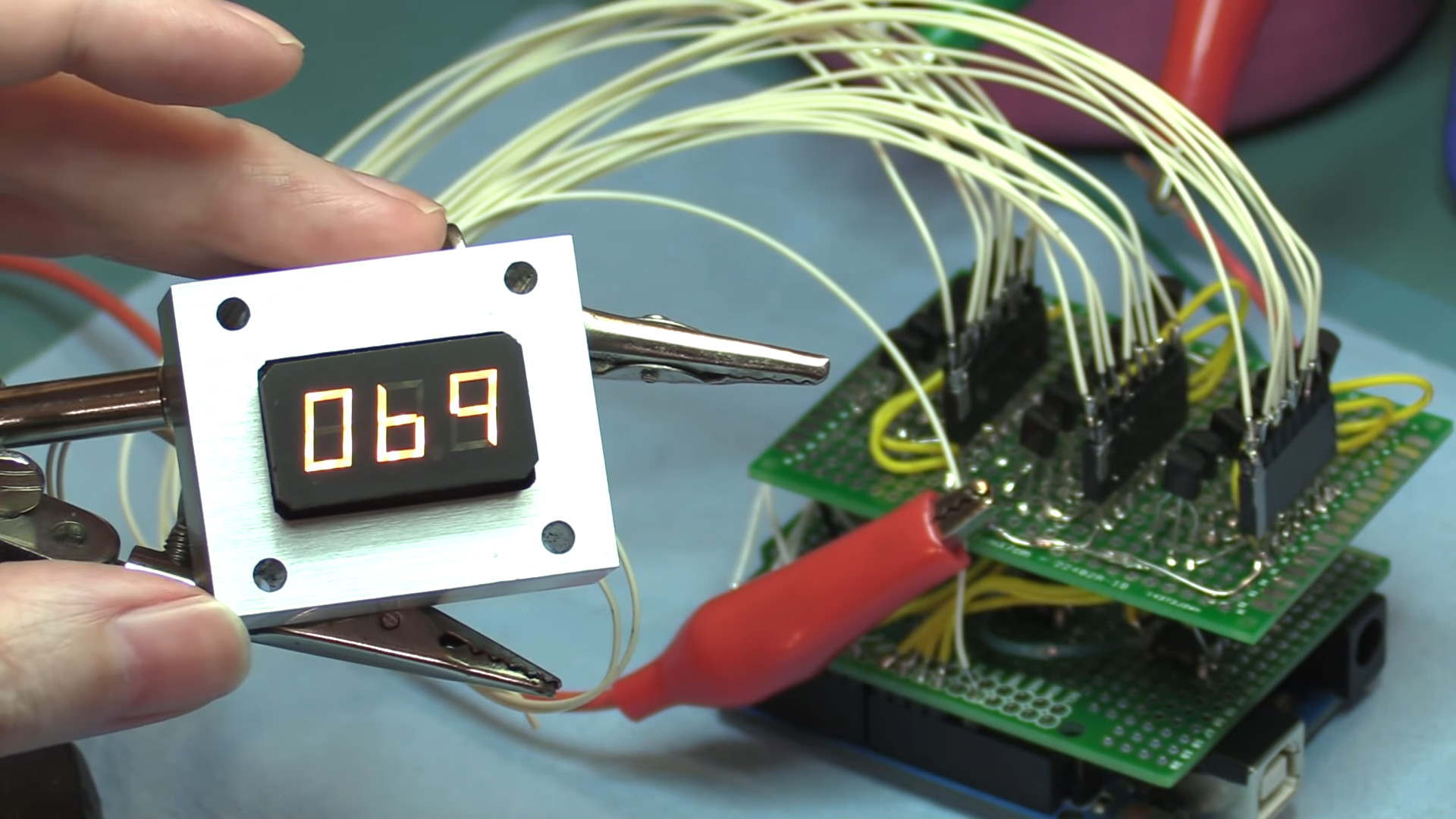 Incandescent 7-Segment Displays Are Awesome