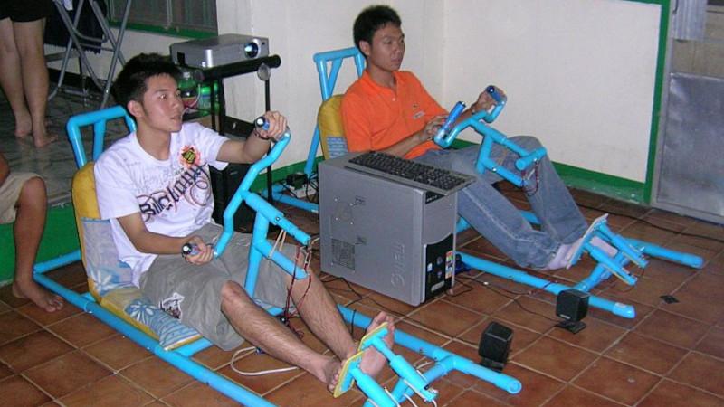 Two-Player PVC Racing Rig Plays Daytona USA