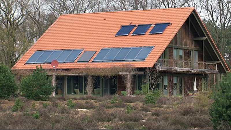 Heating A Home With Sunlight… And Water