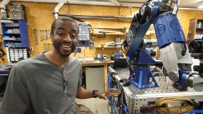 Scratch-Built Robot Arm Looks Like Something Off the Factory Floor