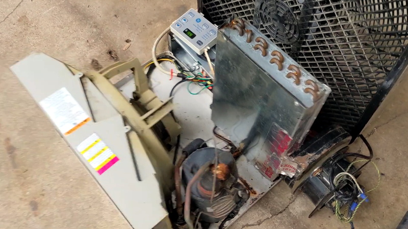 Hacked AC Window Unit Split in Half to Cool the Garage